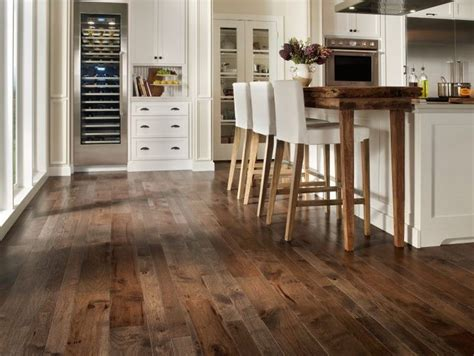 Parkett Polieren Per Hand by Best 25 Staining Hardwood Floors Ideas On Pinterest