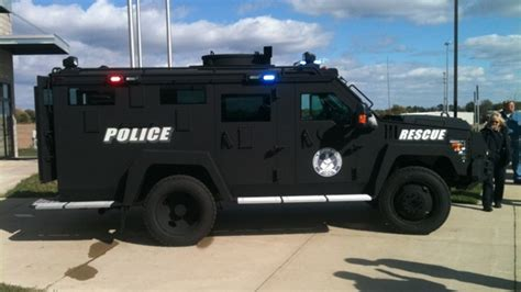 swat vehicles police swat vehicles vehicle ideas