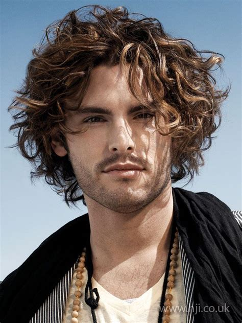 how to curly hair like a dominican man mid length curly hairstyle for men mid length hair