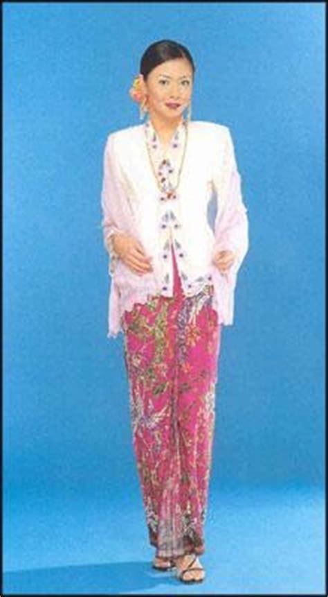 Baju Kebaya Zaman Kesultanan Melayu Melaka melaka pakaian orang melaka