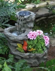 springbrunnen im garten solar springbrunnen f 252 r den garten