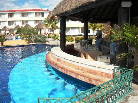 moon palace nizuc section poolside at moon grand picture of moon palace cancun