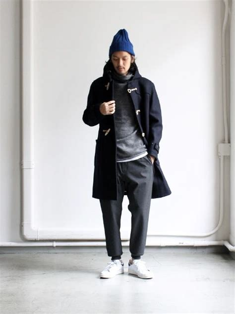 Sneakers 6823 White Pink s black duffle coat grey hoodie white crew neck t