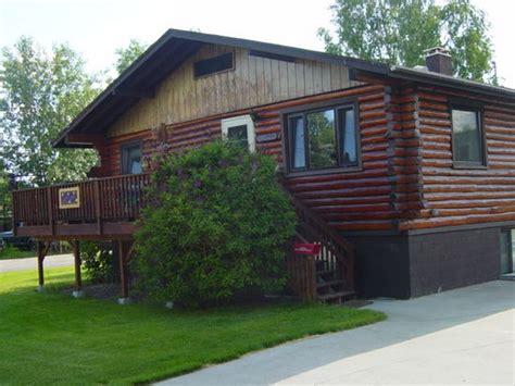 downtown log cabin hideaway bed and breakfast fairbanks