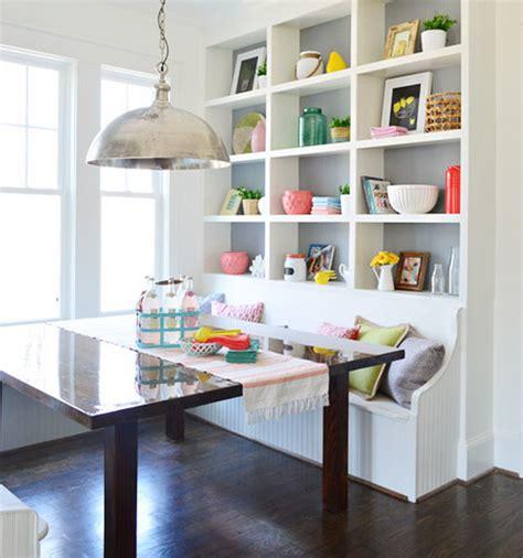Rak Makan desain ruang makan unik untuk rumah kecil dekor kursinya