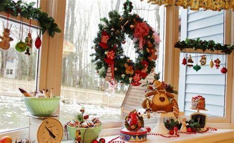 fensterdeko zum kleben weihnachten fensterbilder zu weihnachten originelle bastelideen zum