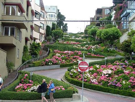 lombard street houses driving the crookedest street in the world traveling with mjtraveling with mj