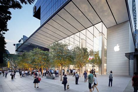 apple singapore apple orchard road opens in singapore global blue