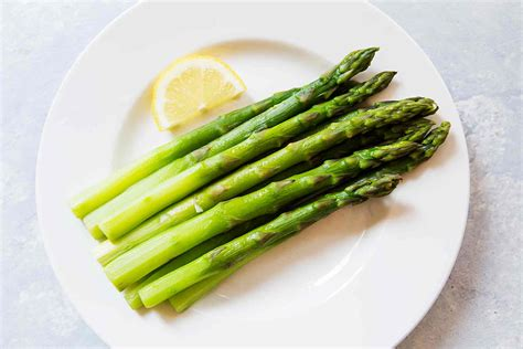 how to cook asparagus on the stovetop simplyrecipes com