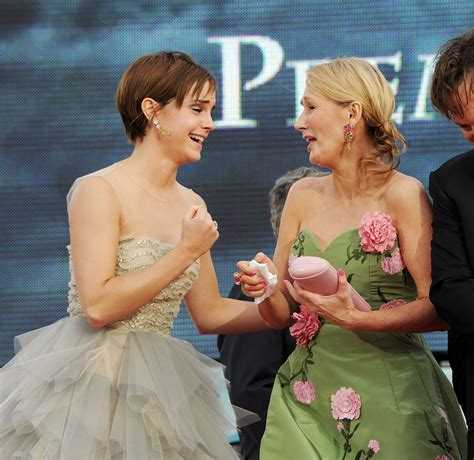 emma watson jk rowling vote for rowling and watson in this year s shorty awards