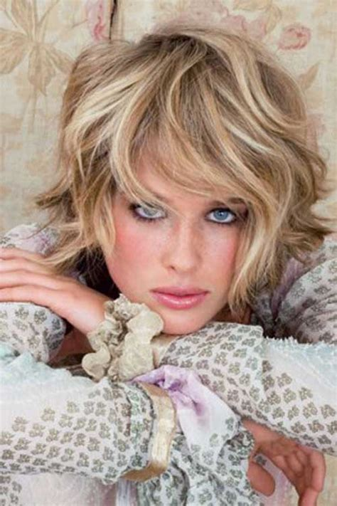 haircuts blonde thick hair 10 short hairstyles for thick wavy hair short