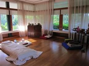 home yoga room design ideas best 25 home yoga room ideas on pinterest yoga decor