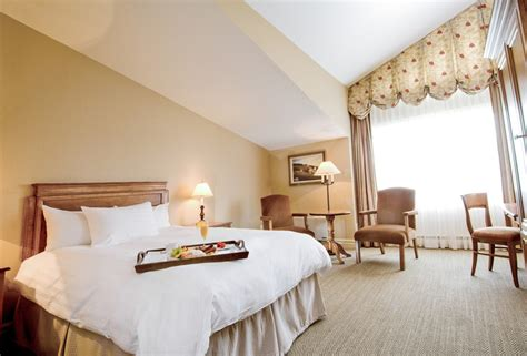 Classic Room by Classic Rooms At Hotel Manoir Sauveur