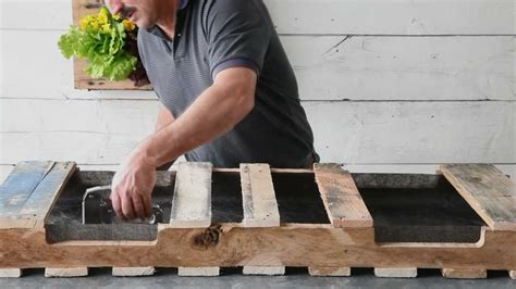 How To Make A Planter Out Of A Tire by How To Make A Pallet Planter