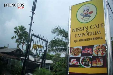 mampir  nissin emporium cafe   menu  lezat