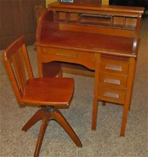 antique roll top desk manufacturers 1910 paris manufacturing co child s roll top desk with