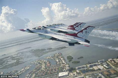 boat crash thunderbird accident reported involving military jet at ohio air show