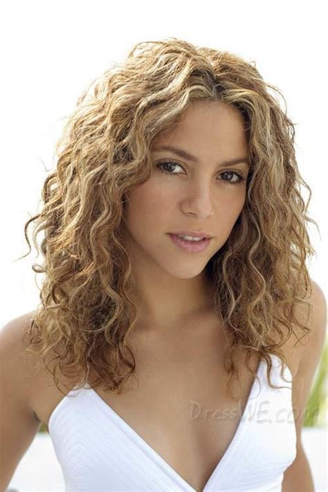 best hair curling tool 2015 for medium length hair 25 best ideas about shoulder length curly hair on