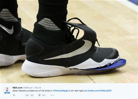 nba player basketball shoes nba player aaron gordon wears height increasing insoles