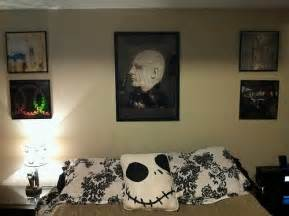 modern horror bedroom design and decorations ideas