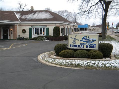 palatine funeral home with a golf course ahlgrim acres