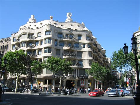 gaudi apartments in barcelona