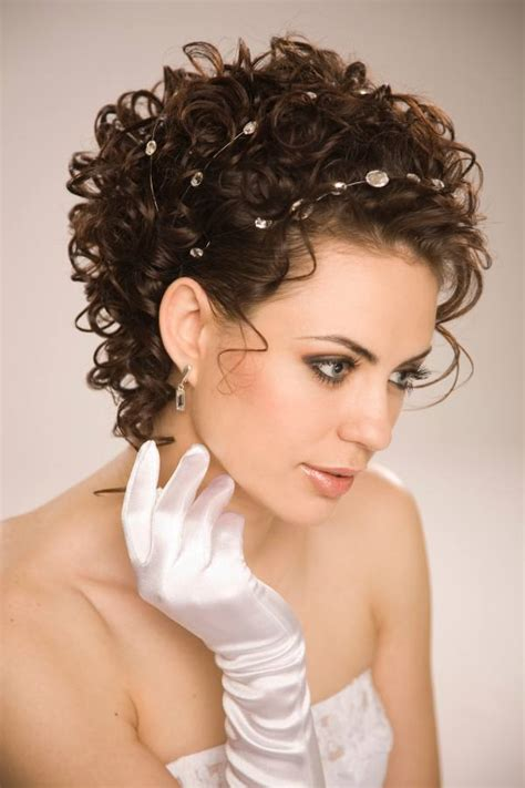 Wedding Styles For Really Hair by Incredibly Stylish Ideas For Really Naturally Curly Hair
