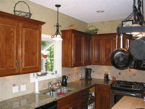 Refinishing Golden Oak Kitchen Cabinets Glazed Oak Cabinets Retain The Grain But Without The Outdated Golden Color Kitchens