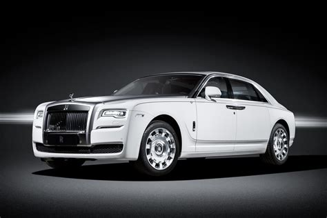 roll royce bmw 34 000 bmw and rolls royce models recalled with