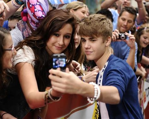justin fan justin bieber s fans 19 ways to prove you re a true