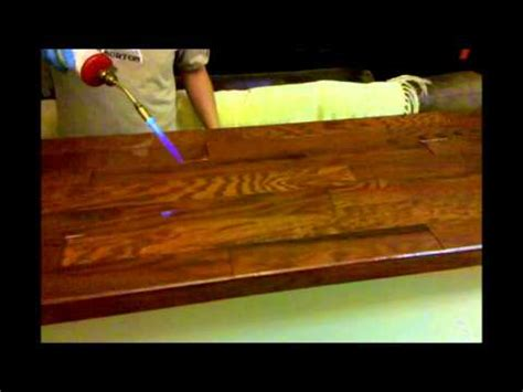 how to epoxy a bar top how to apply epoxy resin on table tops counter tops bar tops application demonstration
