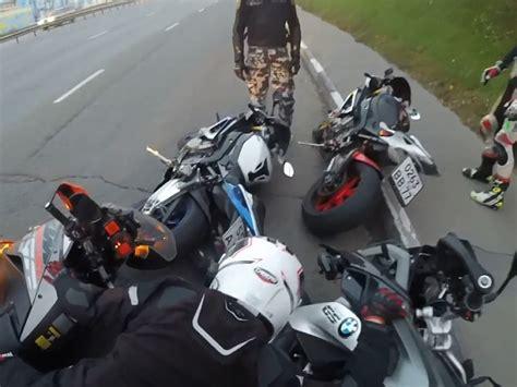 Motorrad Anf Nger Cup by Motorrad Domino Peinliche Kettenreaktion Beim Sturz