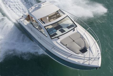 types of motor boats list boat types we love express cruisers boats
