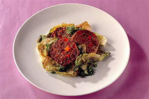 cucinare polpettone di carne ricetta polpettone di carne e verdure alla salvia la