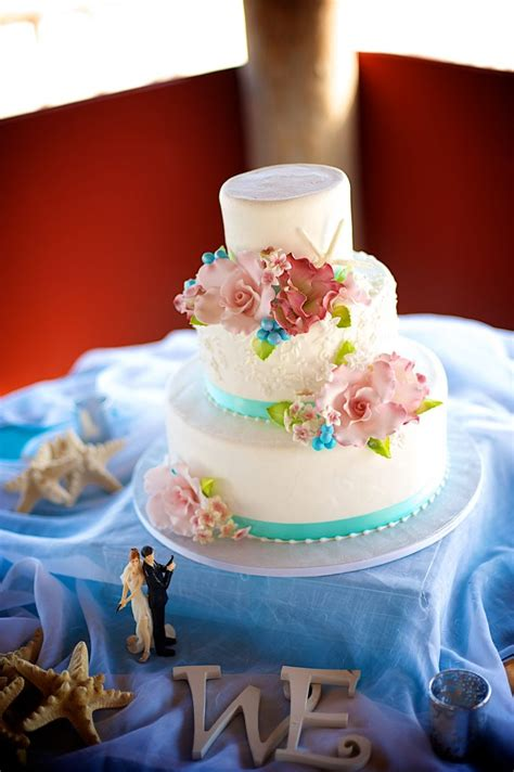 designers choice decor option wedding to go key west beach wedding cakes
