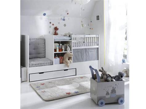 Impressionnant Modele De Chambre Bebe Garcon #1: Une-chambre-de-bebe-avec-un-beau-berceau.jpg