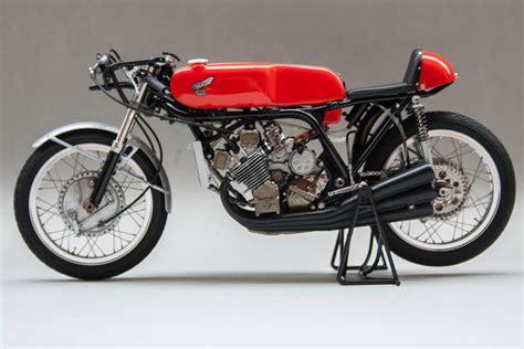 Ducati Motorrad Vintage by Honda Rc166 1966 Mike Hailwood By Gennaro Zappa Tamiya