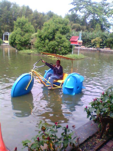 Sepeda Air Model Ikan Paus jual sepeda air becak kerajinan fiberglass 085346603232