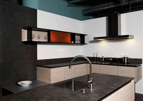 VidroStone Interieur ? Luxuriöse Küche in Schieferoptik