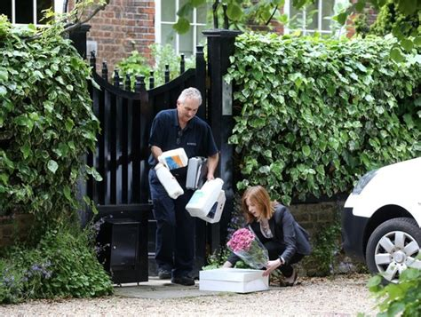 george michael house friends drop off gifts for george michael s birthday zimbio