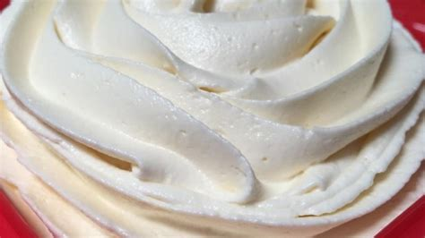 simple and delicious buttercream frosting recipe