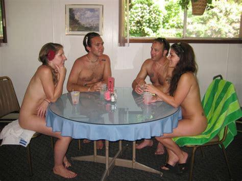 nudismo en casa family naturists newhairstylesformen2014