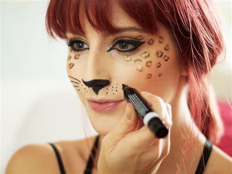 leopard makeup tutorial leopard print makeup tutorial diy makeup ideas