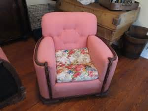 how hard is it to reupholster a couch how to reupholster a chair