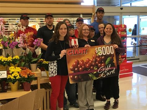 Giant Food Stores Pa Gift Cards - state college pa giant food stores donation to help provide thanksgiving meals for