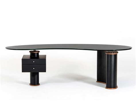 modern office desk in black and walnut vg116 desks