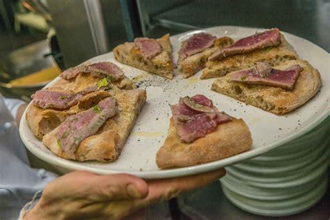 libro pizza gourmet milano il sud vince la sfida della pizza gourmet con iorio libro e coppola