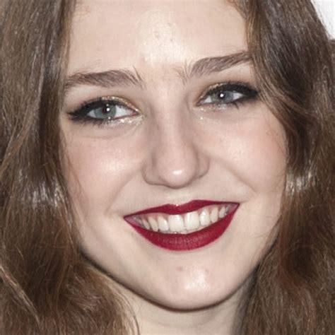 Zara Birdie Sabrina birdy makeup gold eyeshadow burgundy lipstick