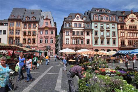 ufficio turismo germania mercato di mainz immagine editoriale immagine di citt 224