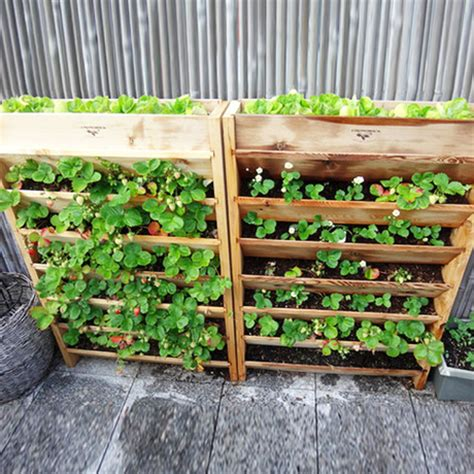 Upright Planter by Creative Ways To Reuse Wooden Pallets In Your Home